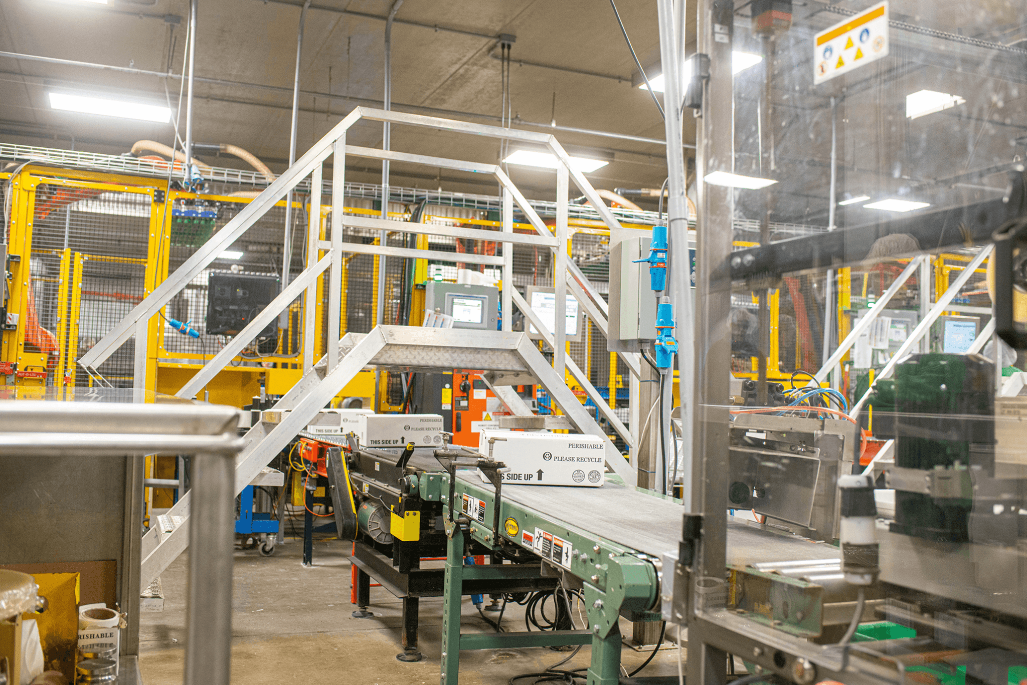 conveyer-automation-pallet-pickup